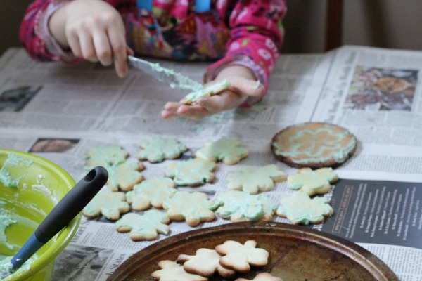 making shamrock cookies