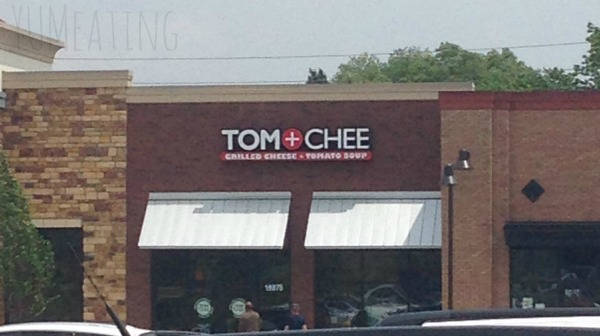 Family Fun Time with Tom + Chee | YUM eating