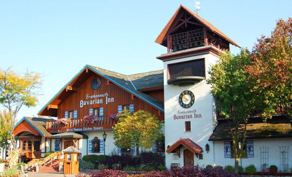 Your Perfect Stay in Frankenmuth, MI | Nevermore Lane #Travel